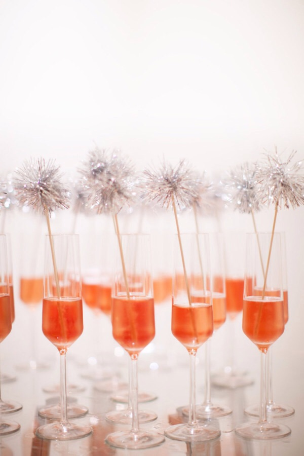 New Years eve party DIYs - Sparkle stirrers