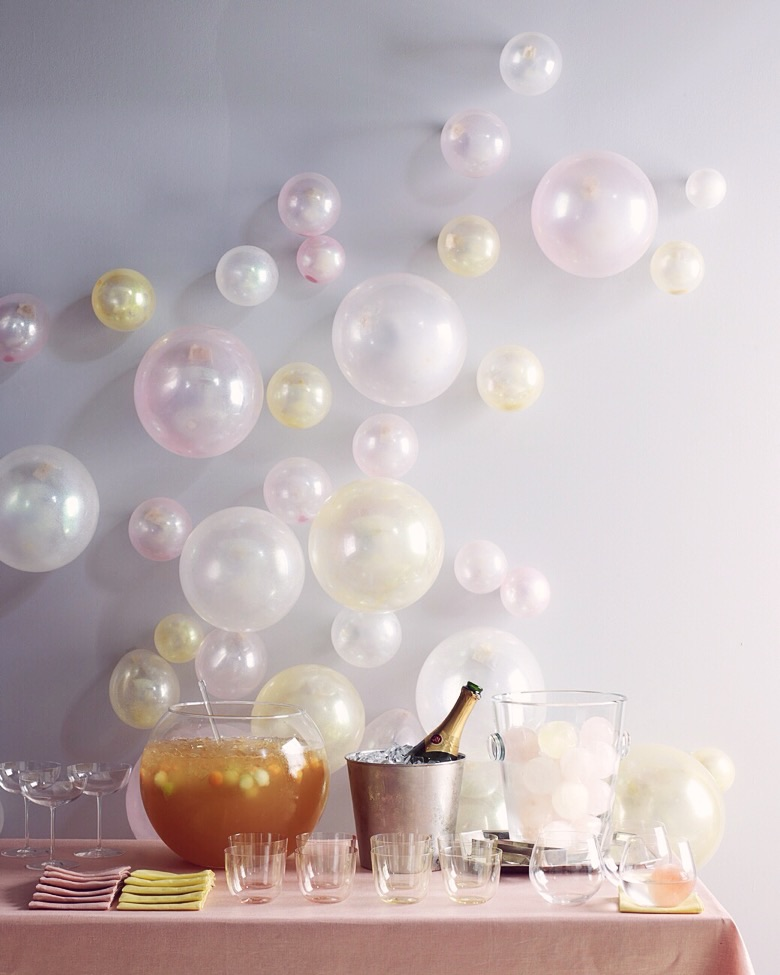 New Years eve party DIYs - Glitter balloons