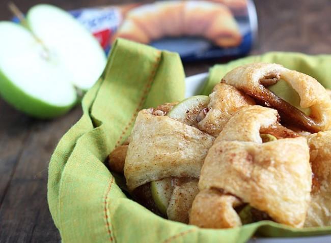 Apple pie bites via the blond cook