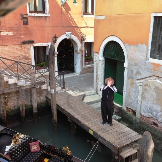 Baci in Venice by @dawn_hawk