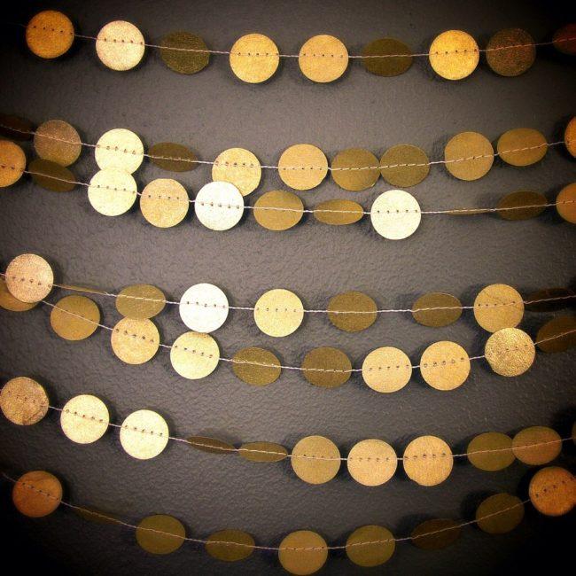 Gold circle garland by robayre