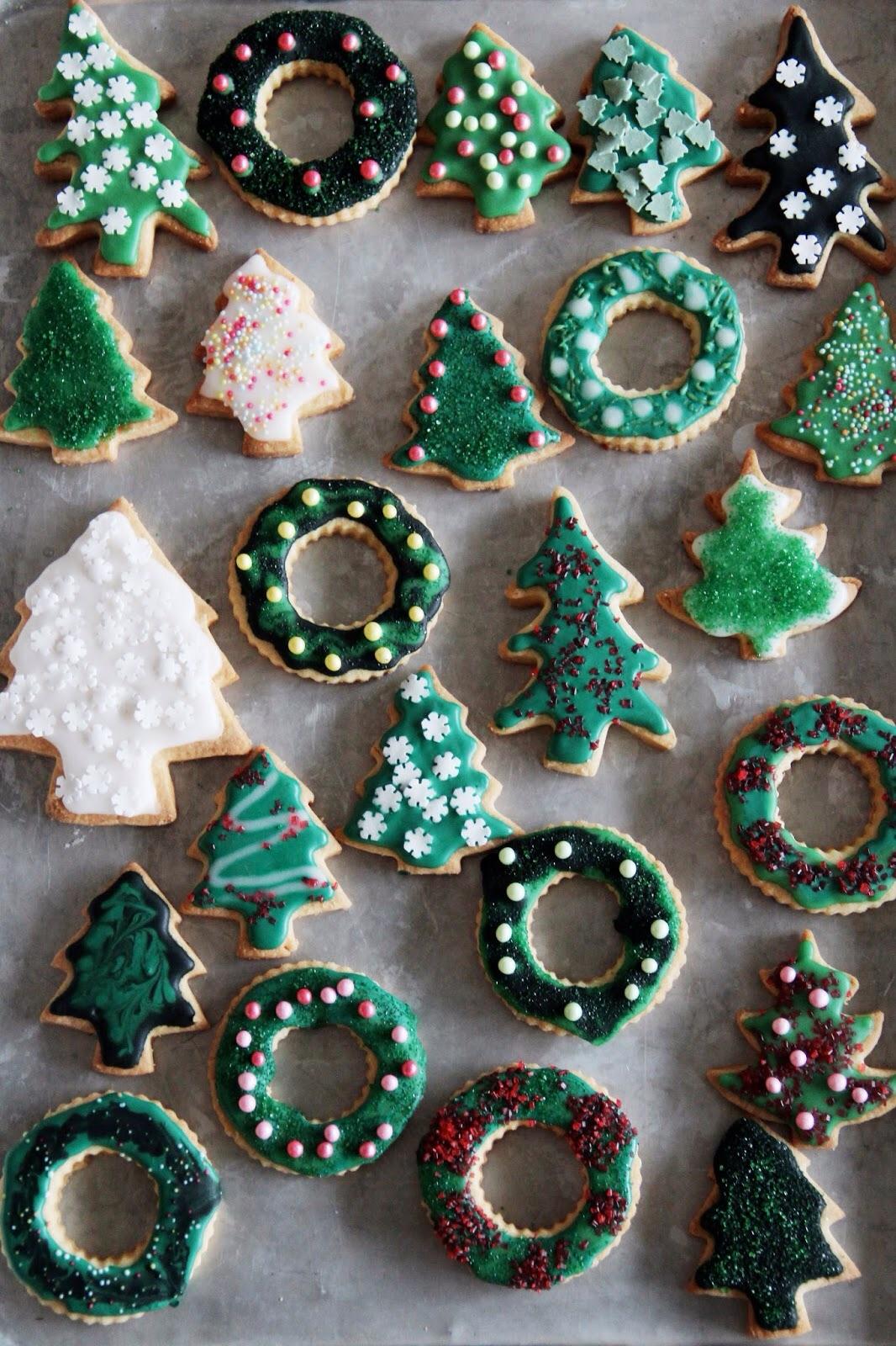 Christmas cookies via Fork and Flower